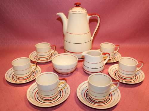 An example of a Grays coffee set offered by Circa30s